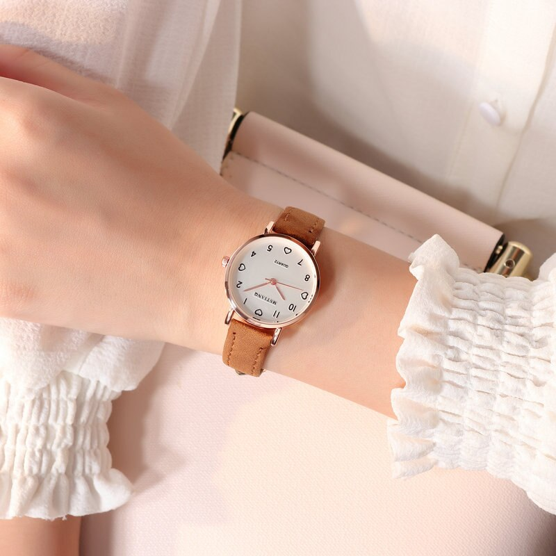 Hdae5aa8958584207b3871dd47620c442P - Simple Vintage Women Small Dial Watch Sweet Leather Strap Wrist Watches Gift