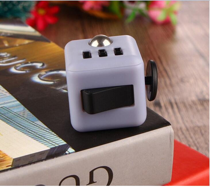 H0e9f6e7e6d1d4f99ab5edeff7dfb7193X - Squeeze Stress Reliever Gifts Cube Relieves Anxiety and Stress Juguet For Adults Children cube Desk Spin Fidget Toys